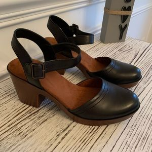 New Easy Spirit Mary Janes